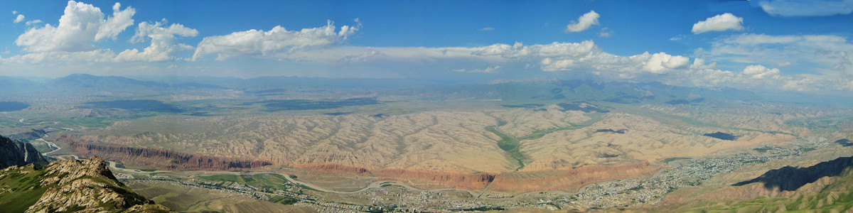 360° Panorama over Naryn from Ala Michuk